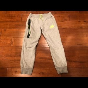 Boys' Nike Tech Fleece Joggers Large Sweatpants